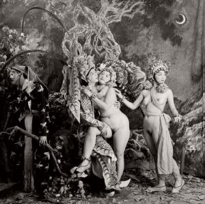 Документальные и скандальные постановочные фотографии от Лю Чжэна