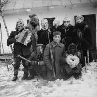 Архив сельского фотографа: в заброшенном доме нашли тысячи снимков 1950-70-х годов