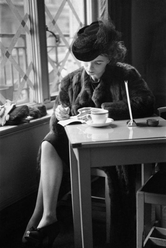 «Одинокий кофе». Автор Курт Хаттон