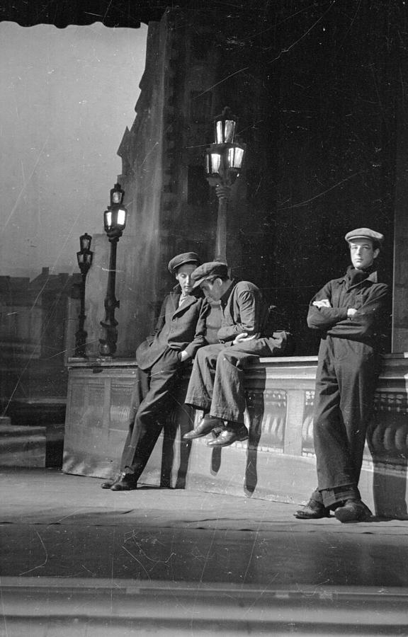 В ожидании, 1946. Автор Курт Хаттон