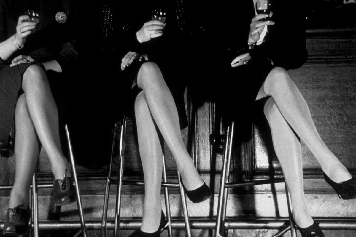 Три пары ножек, 1946. Автор Курт Хаттон