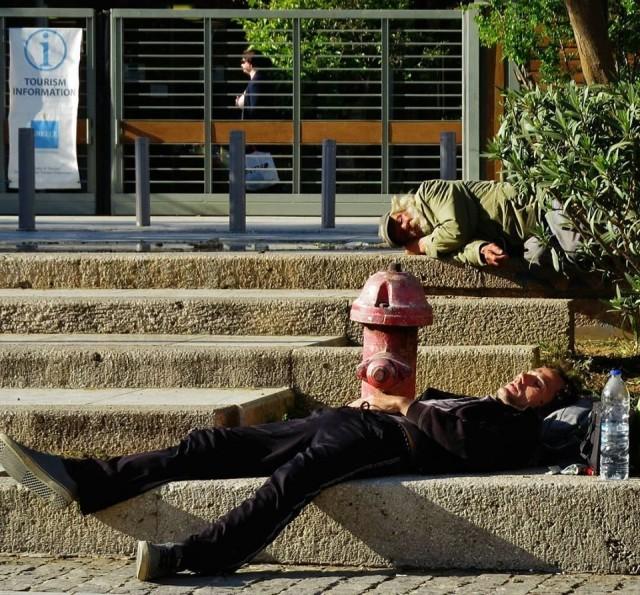 Мистика неожиданного в уличных фотографиях. Автор Антимос Нтагкас (34)