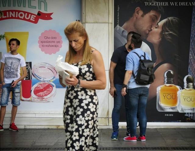 Мистика неожиданного в уличных фотографиях. Автор Антимос Нтагкас (37)