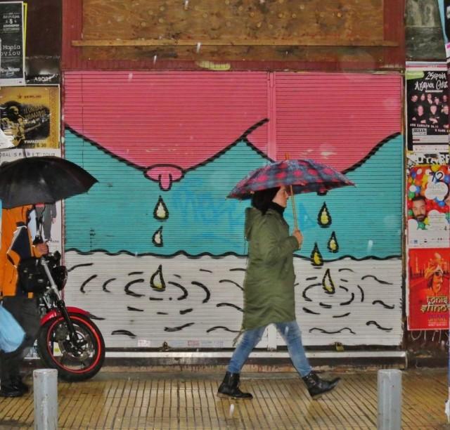 Мистика неожиданного в уличных фотографиях. Автор Антимос Нтагкас (25)