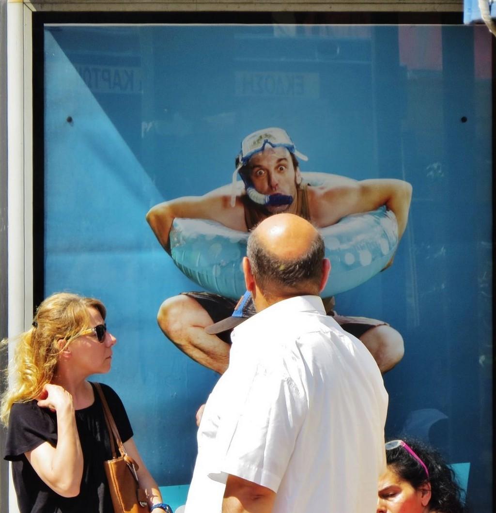Мистика неожиданного в уличных фотографиях. Автор Антимос Нтагкас (26)