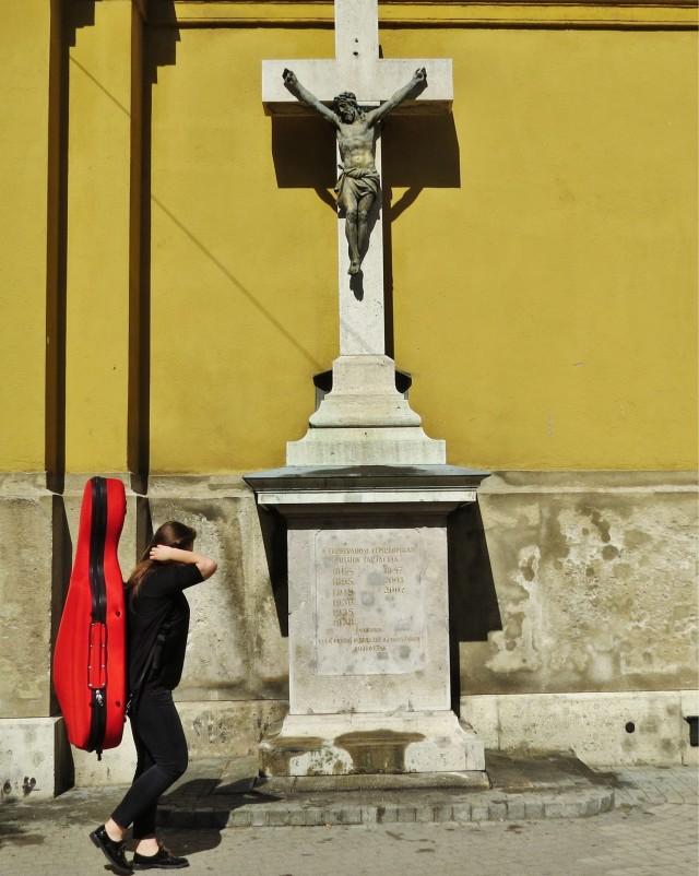 Мистика неожиданного в уличных фотографиях. Автор Антимос Нтагкас (30)