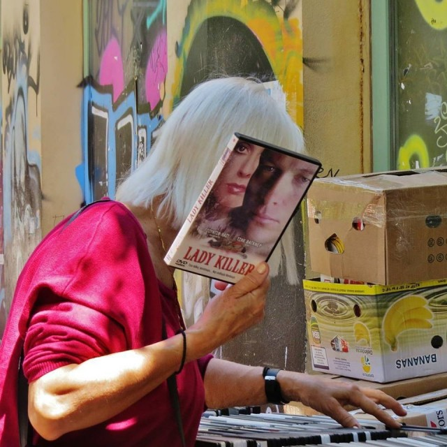 Мистика неожиданного в уличных фотографиях. Автор Антимос Нтагкас (31)