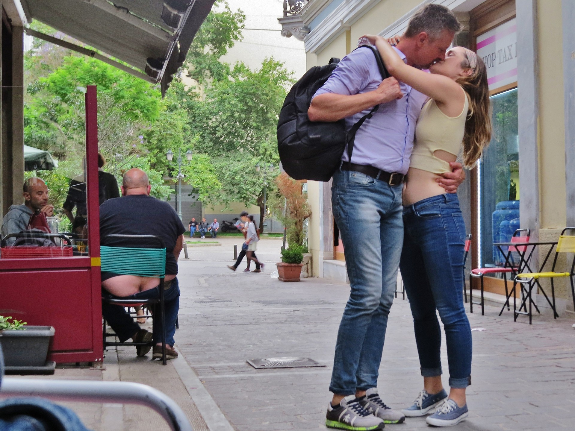 Мистика неожиданного в уличных фотографиях. Автор Антимос Нтагкас (16)