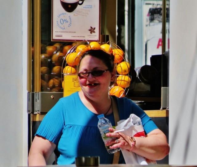 Мистика неожиданного в уличных фотографиях. Автор Антимос Нтагкас (17)