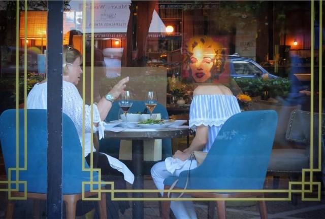 Мистика неожиданного в уличных фотографиях. Автор Антимос Нтагкас (8)