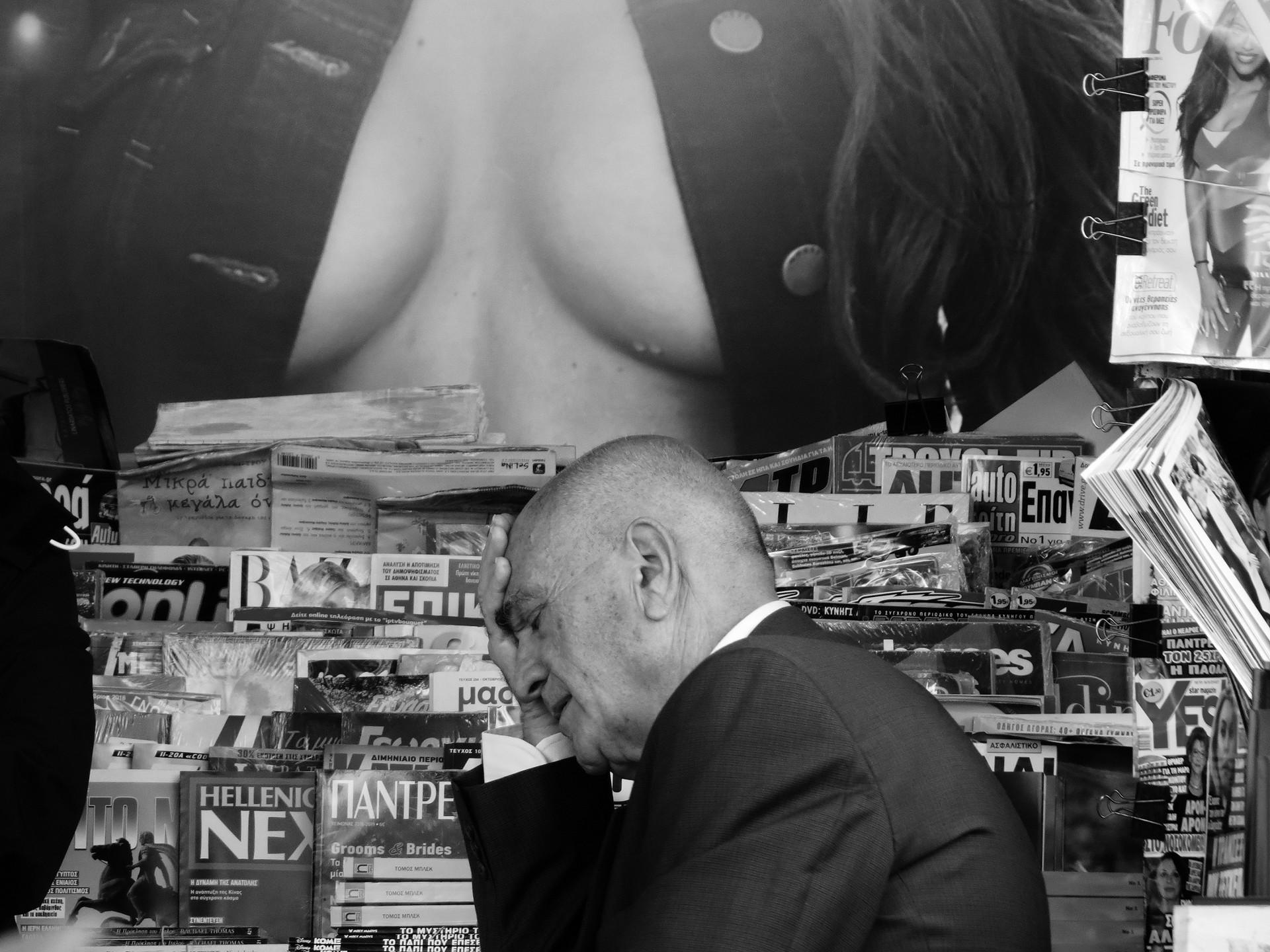 Мистика неожиданного в уличных фотографиях. Автор Антимос Нтагкас (1)