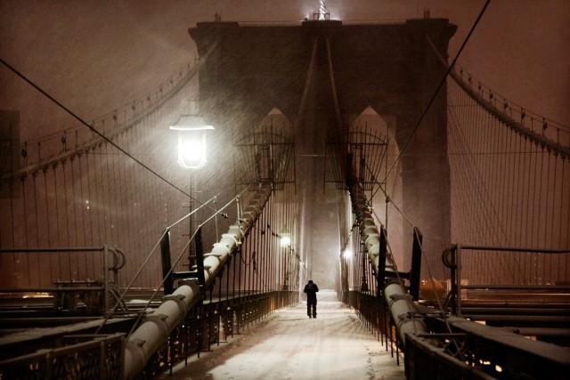 Человек на мосту, Нью-Йорк, 2015. Автор Кристоф Жакро