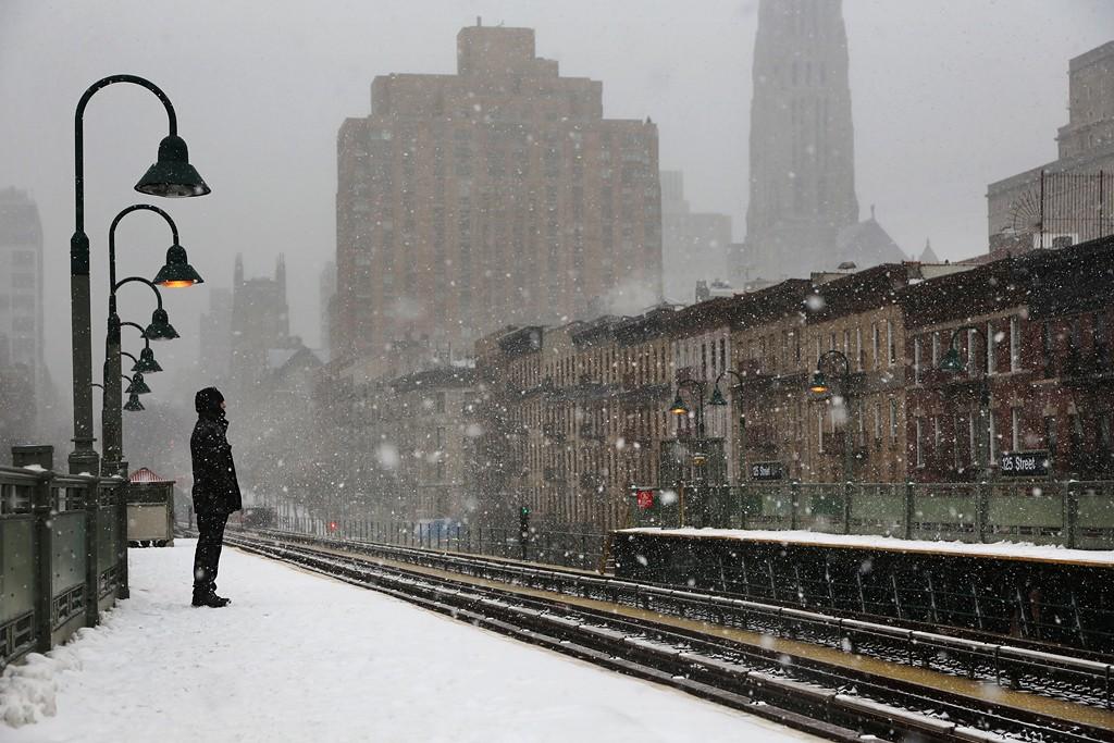 Человек под фонарём, Нью-Йорк, 2015. Автор Кристоф Жакро