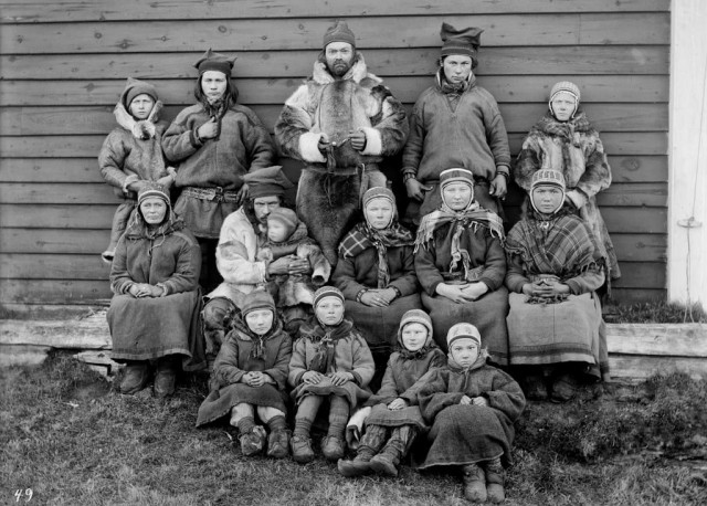 Саамы в Кёутукейну, Норвегия, 1882-1883. Автор Софус Тромгольт