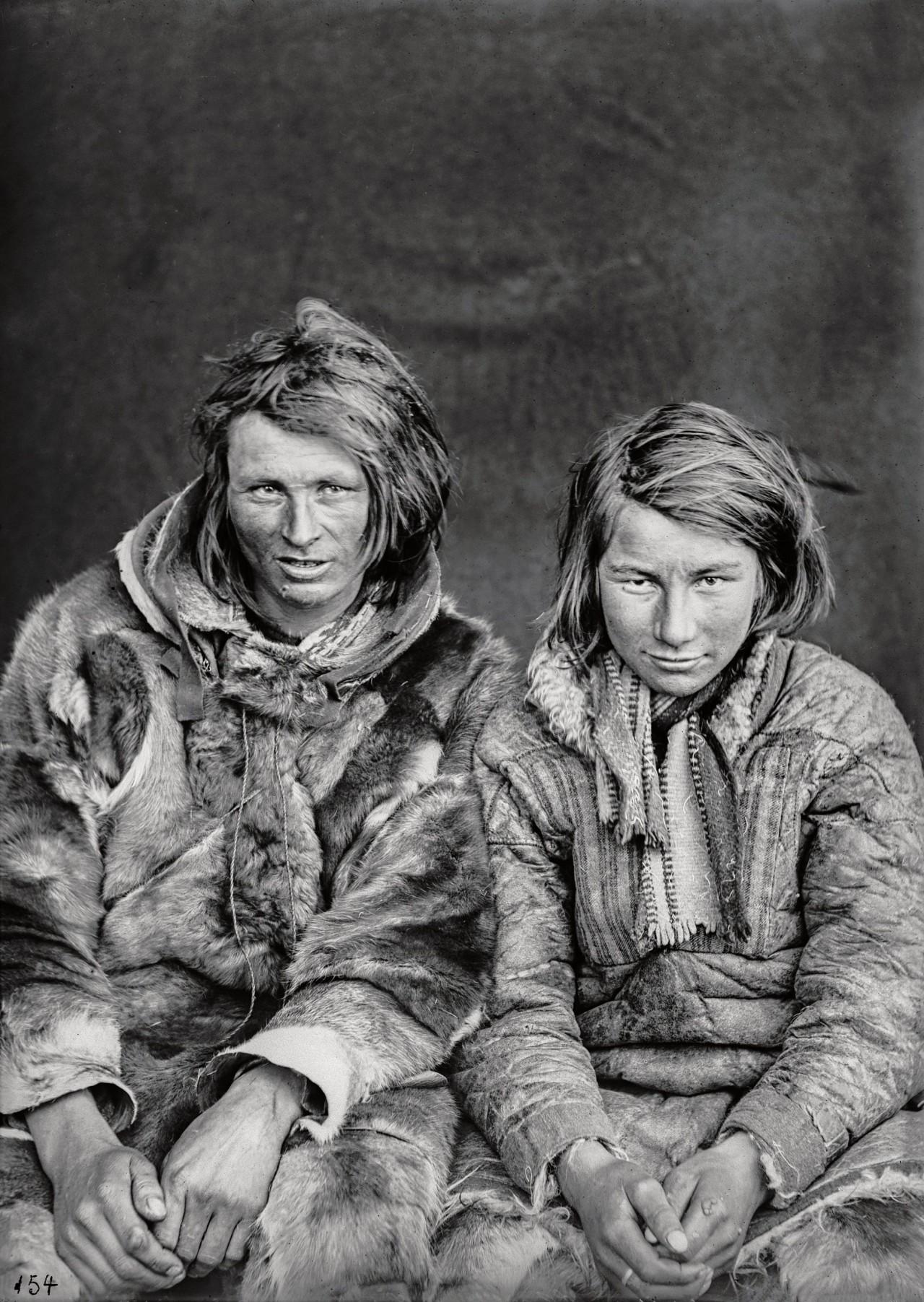 Ларс Ларсен Гайно и Йоханнес Йоханнесен Хетта. Автор Софус Тромгольт