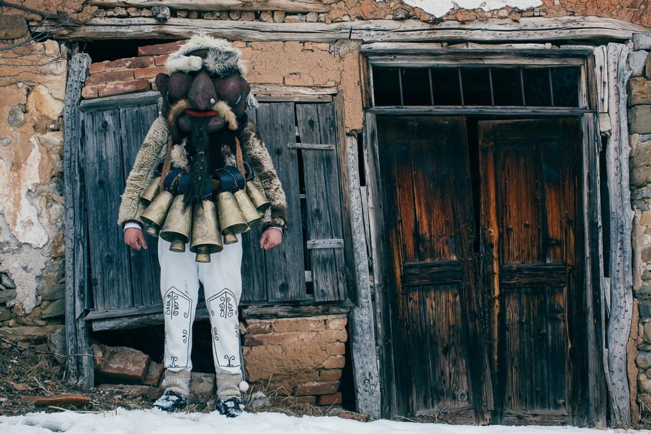 Из фотопроекта «Кукеры». Автор Арон Кляйн (11)