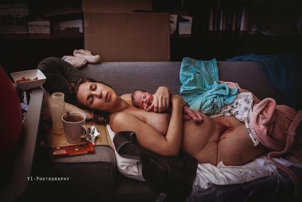 Главный победитель Birth Photo Competition 2020. «Минута молчания». Автор Джессика Винк