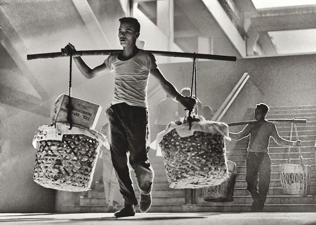 «Баланс». Гонконг, 1950-60-е. Автор Фан Хо