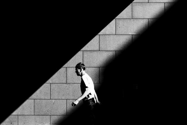 Спешащий пешеход. Автор Фан Хо