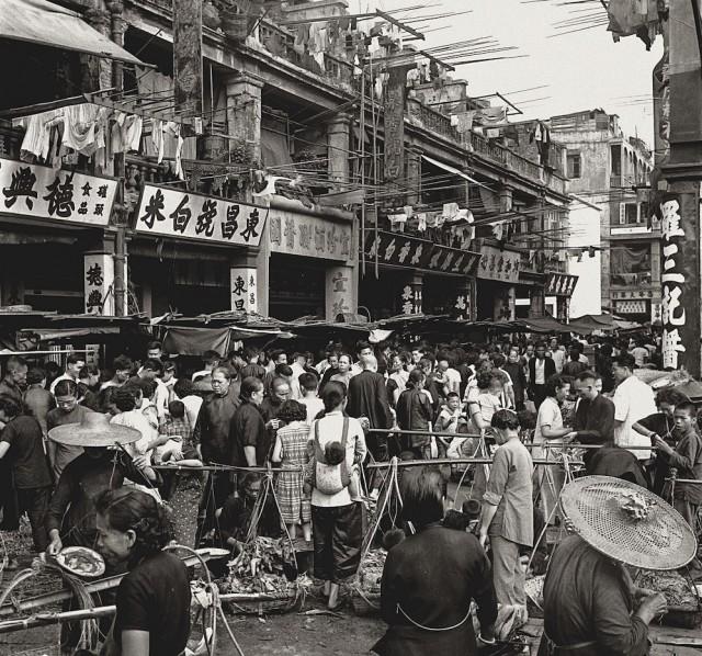 Процветающий рынок, Гонконг, 1950-60-е. Автор Фан Хо