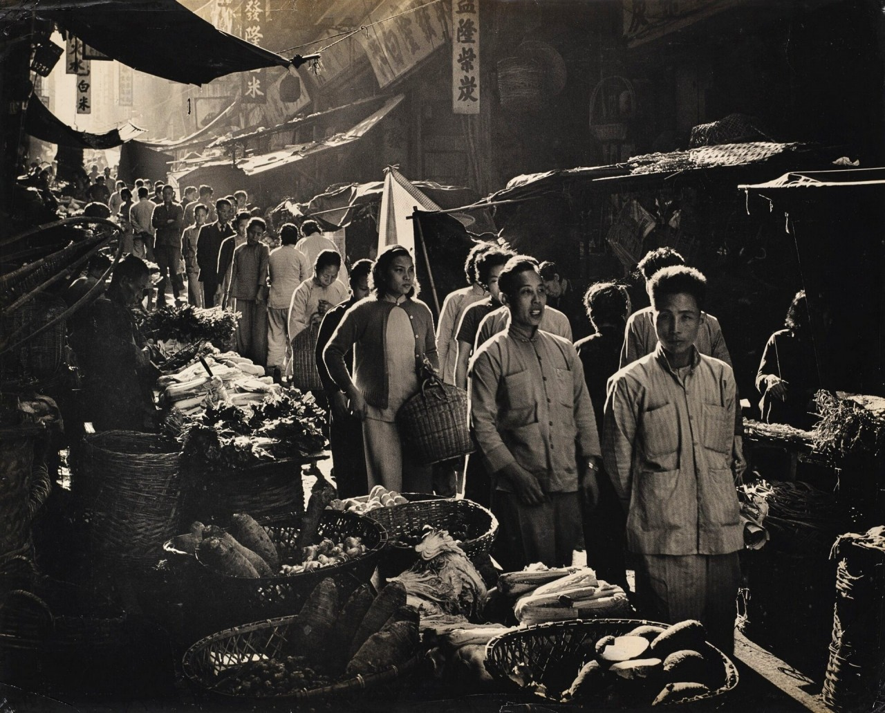 Рыночное шествие, Гонконг, 1963. Автор Фан Хо