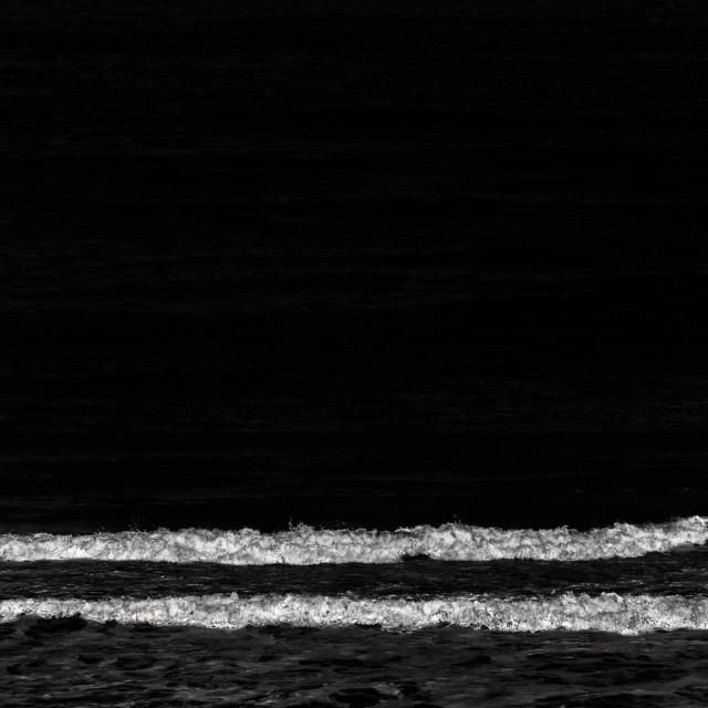 Волны. Автор Розарио Чивелло