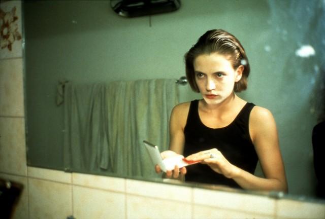 Аманда перед зеркалом. Автор Нан Голдин
