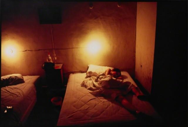 Сюзанна в гостиничном номере, 1981. Автор Нан Голдин