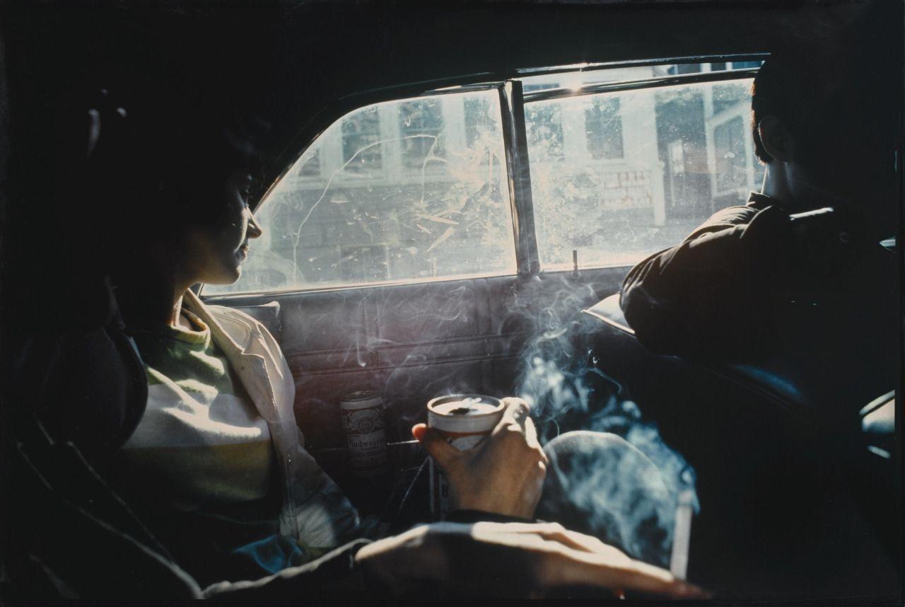 Куря в машине, 1979. Автор Нан Голдин