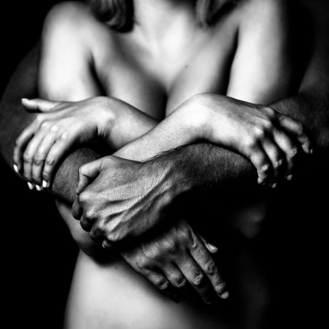 «В его руках». Автор Бенуа Корти