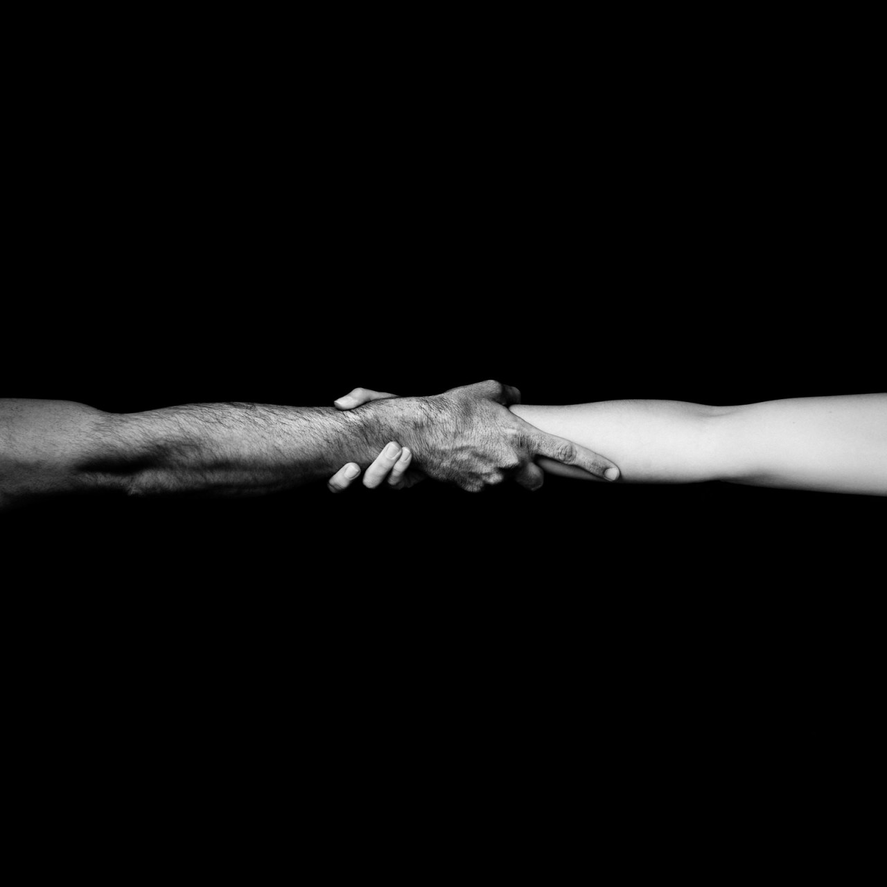 «Удержи меня». Автор Бенуа Корти