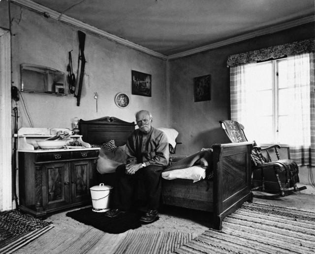 Плотник Альберт Эрикссон, Нордмалинг, 1957. Автор Суне Юнссон