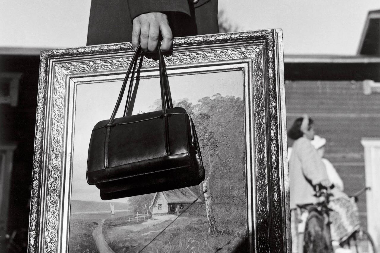С картиной в Хольмсунде, 1954. Автор Суне Юнссон