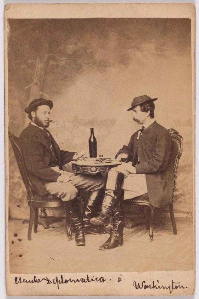 Два военных фотокорреспондента, примерно 1860 год