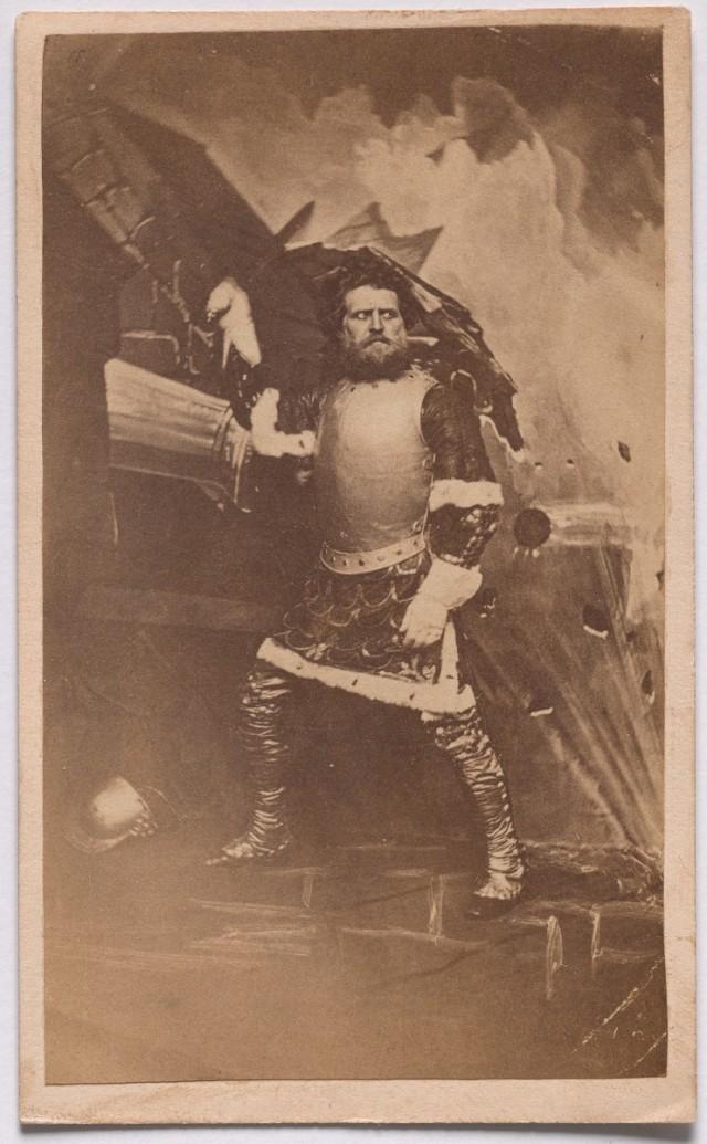 «Воин» из серии «Семь возрастов человека» по Шекспиру, ок. 1860. Автор студия братьев Мид