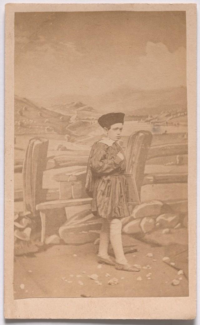 «Школьник» из серии «Семь возрастов человека» по Шекспиру, ок. 1860. Автор студия братьев Мид