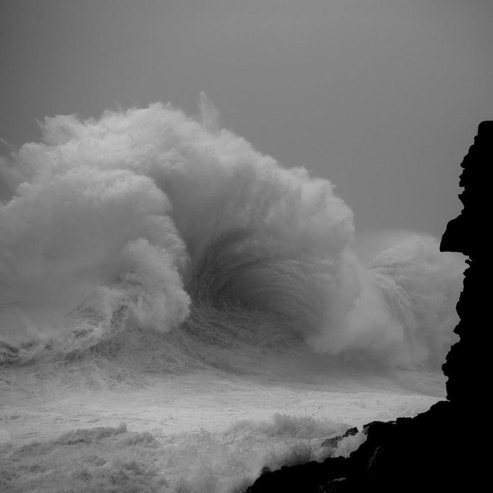 Океанские волны в фотопроекте «Водоворот». Автор Люк Шэдболт  (14)