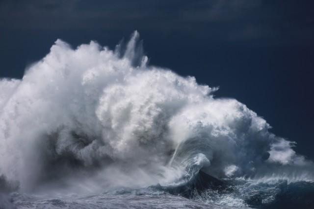 Океанские волны в фотопроекте «Водоворот». Автор Люк Шэдболт  (18)
