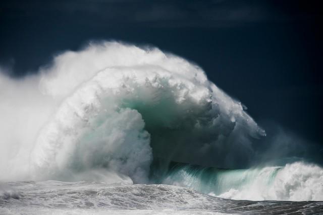 Океанские волны в фотопроекте «Водоворот». Автор Люк Шэдболт  (6)