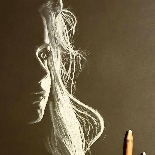 Художник, который рисует только свет