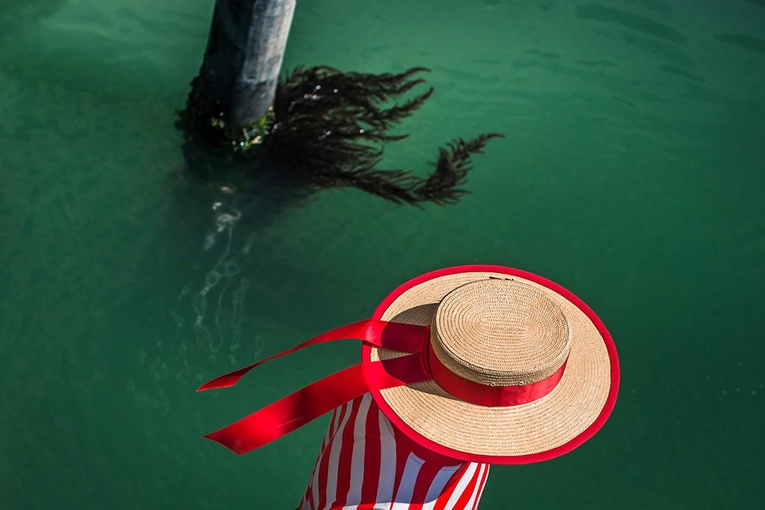 Финалист в категории «Уличная фотография», 2020. Гондольер в Венеции. Автор Яна Купчакова