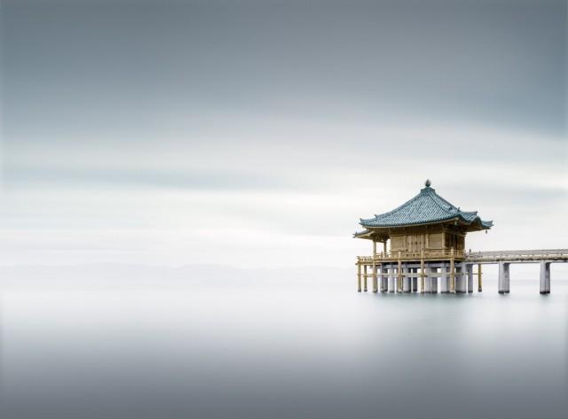 Финалист в категории «Длинные выдержки», 2019. «Храм», Япония. Автор Кэм Гарнер