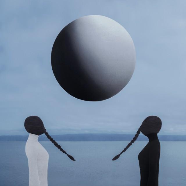 «Две Луны». Автор Габриэль Исак