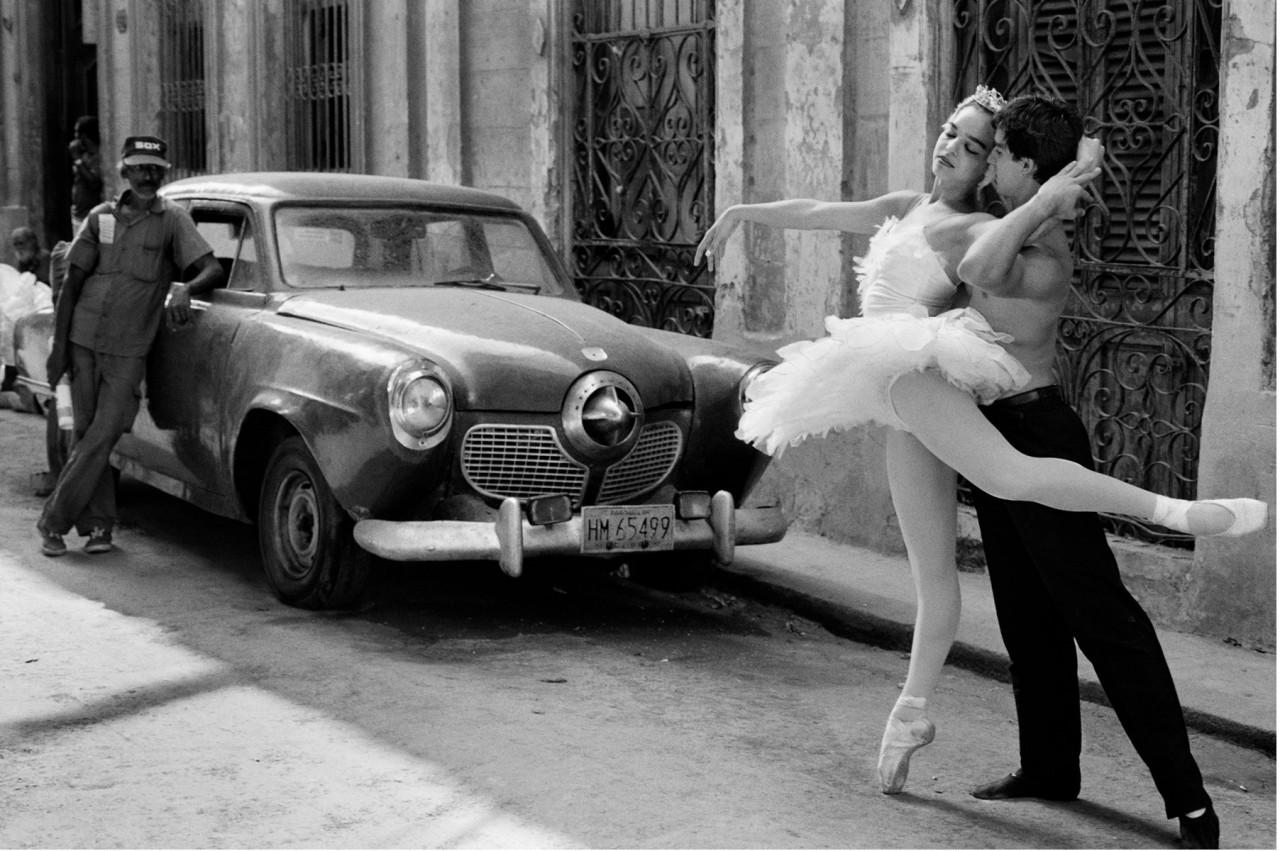 Из фотопроекта «Национальный балет Кубы, 2001». Автор Изабель Муньос
