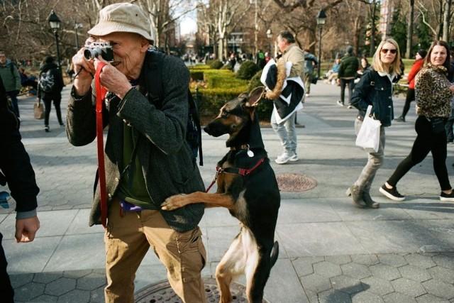 «Фотограф с ассистентом». Автор Дэниел Арнольд
