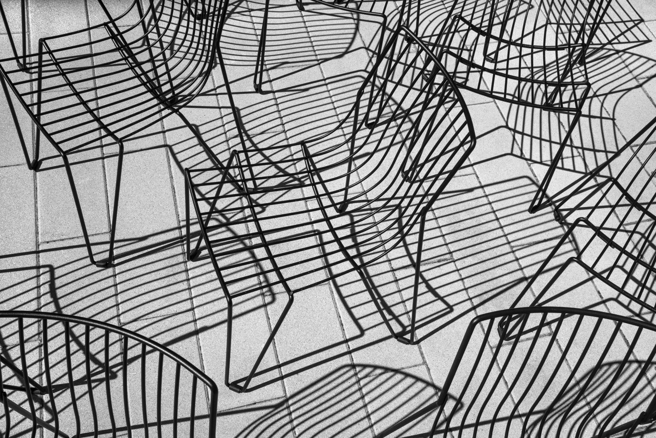 2 место в категории «Абстракция» среди профессионалов, 2020. «Стулья». Автор Стивен Эдсон