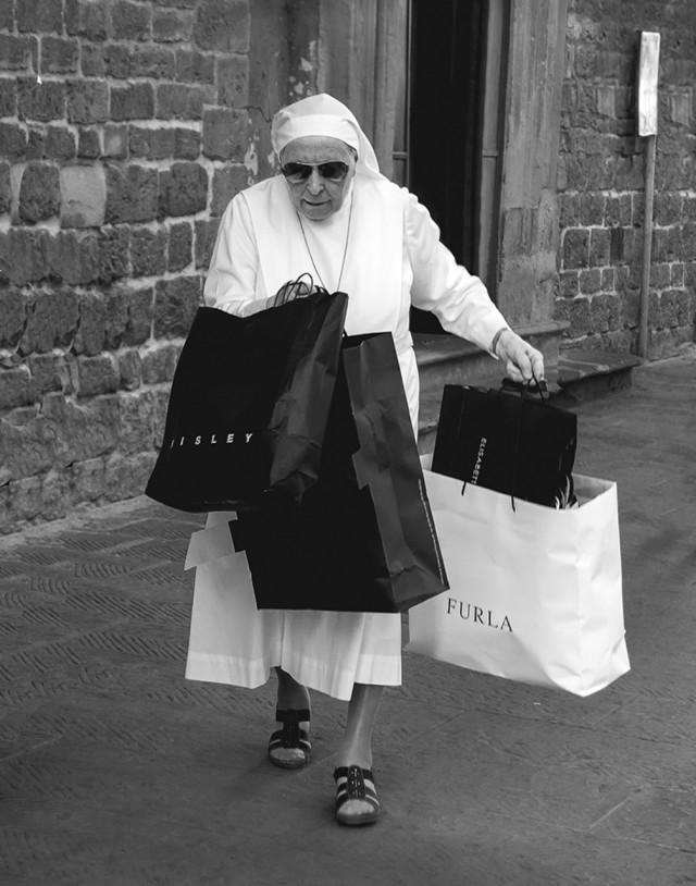1 место «Фотограф года» среди любителей 2019. «Модница». Флоренция, 2017. Автор Филипп Лоуренс