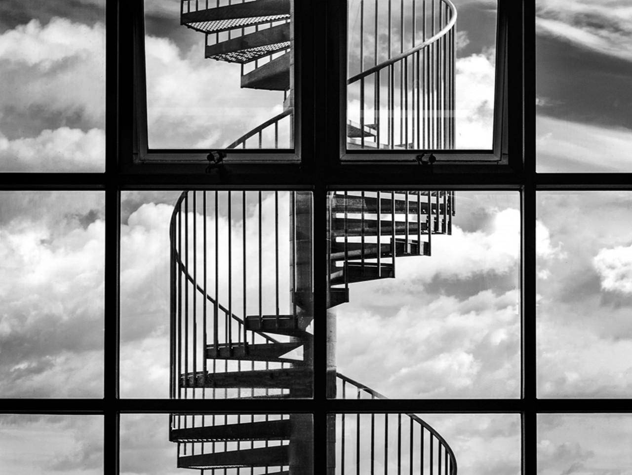 2 место в категории «Архитектура» среди профессионалов 2019. Пожарный выход здания в Рейкьявике, Исландия. Автор Роберт Коутс