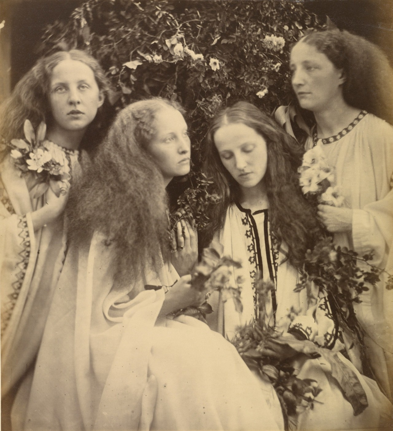 «Девичий розарий», 1868. Автор Джулия Маргарет Камерон