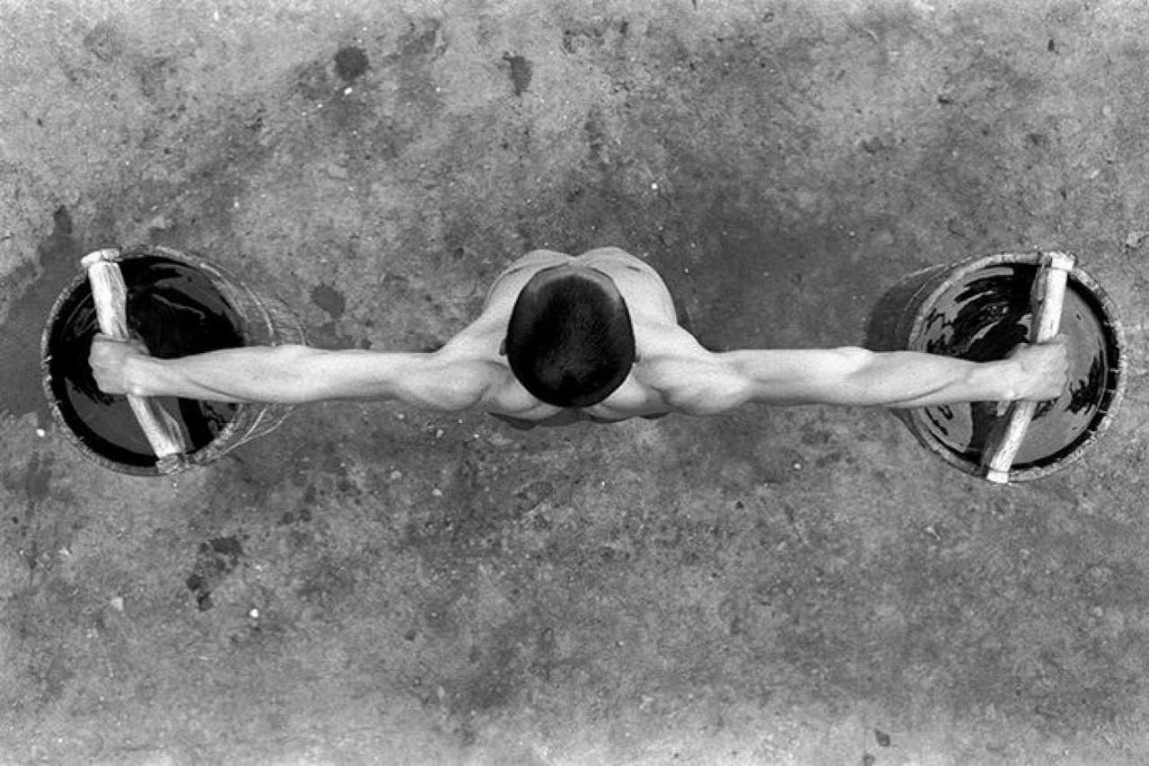 Тренировка силы и выносливости. Автор Томаш Гудзовати